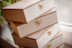 Стог деревянных коробок Стоковое Фото