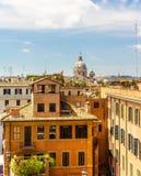 Κτήρια στο κέντρο της πόλης της Ρώμης Στοκ εικόνα με δικαίωμα ελεύθερης χρήσης
