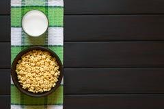Αρωματικά μέλι δημητριακά προγευμάτων Στοκ εικόνες με δικαίωμα ελεύθερης χρήσης