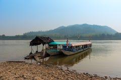湄公河小船 免版税库存照片