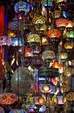 在盛大义卖市场的传统灯在伊斯坦布尔 免版税库存图片