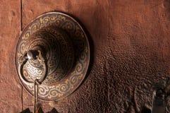 Старая ручка двери буддийского монастыря Стоковая Фотография RF