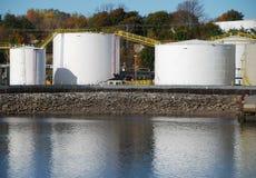 公开的油料储存 库存图片