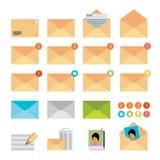 在平的设计样式的黄色邮件象集合 免版税图库摄影