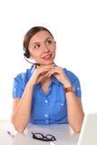 妇女顾客服务工作者,有在白色背景隔绝的电话耳机的电话中心微笑的操作员画象  免版税库存图片