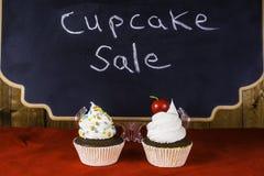 杯形蛋糕销售 库存图片