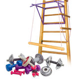 以家庭健身房为背景的锻炼设备 库存图片