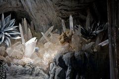 洞水晶 库存图片