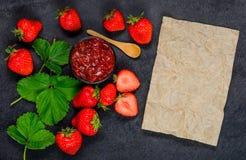 Μαρμελάδα μαρμελάδας φραουλών με τη διαστημική περιοχή αντιγράφων Στοκ Εικόνες