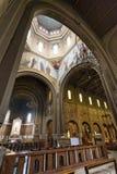 教会卢尔德(米兰),内部 免版税图库摄影