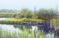 Ποταμός πρωινού στο παλαιό ολλανδικό χωριό Στοκ Φωτογραφίες
