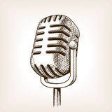 Винтажная нарисованная рука микрофона гравирующ вектор Стоковые Фото