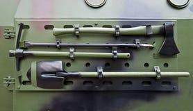 Укрепляя инструмент на броневой машине Стоковые Фотографии RF