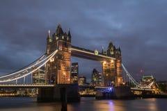 Мост башни на ноче Стоковое фото RF