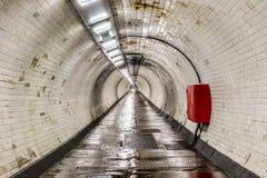 Тоннель ноги Гринвича под рекой Темзой Стоковые Фото