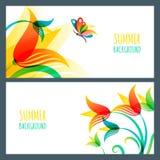 传染媒介夏天水平的横幅和背景 五颜六色的夏天百合花和蝴蝶 免版税图库摄影