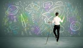 Молодая ракета чертежа бизнесмена Стоковое Изображение