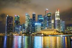 Район Сингапура финансовый на ноче Стоковое Фото