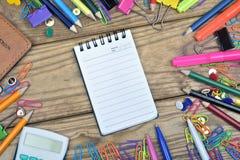 Εργαλεία σημειωματάριων και γραφείων Στοκ φωτογραφίες με δικαίωμα ελεύθερης χρήσης