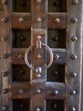Ξύλινη πύλη ενός μεσαιωνικού κάστρου Στοκ εικόνες με δικαίωμα ελεύθερης χρήσης