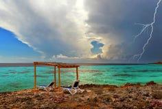 在风暴前的海 免版税图库摄影