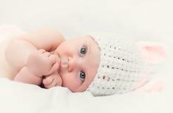 逗人喜爱的新出生的纵向 免版税库存照片
