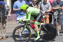 在转帐服务环意自行车赛游览的序幕的期间专业骑自行车者  免版税库存图片