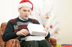 άτομο καπέλων δώρων Χριστο Στοκ φωτογραφία με δικαίωμα ελεύθερης χρήσης