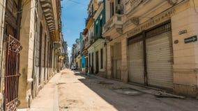 哈瓦那古巴街透视 免版税库存照片