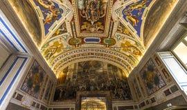 梵蒂冈博物馆,梵蒂冈的内部和细节 库存照片