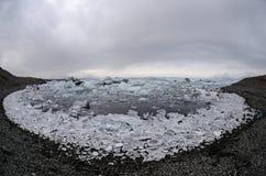 Айсберги на лагуне ледника Стоковое Изображение RF