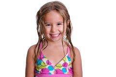 有暴牙的微笑的愉快的小女孩 库存图片
