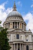 圣保罗的大教堂在伦敦 图库摄影