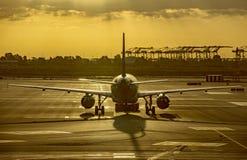航空器在巴塞罗那机场  免版税库存图片