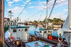 商业捕鱼业浅滩港口 库存照片