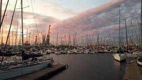 Заход солнца через королевский яхт-клуб накидки Стоковые Изображения RF