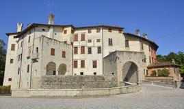 瓦尔瓦索内城堡 免版税库存图片