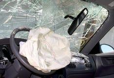 后果气袋汽车部署的击毁 免版税库存图片