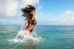 健身模型海洋飞溅 免版税库存照片