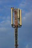 现代天线的通信 免版税库存照片