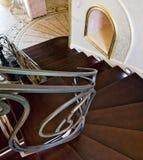 经典内部楼梯 免版税库存照片