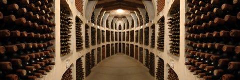 вино погреба старое Стоковые Изображения