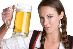 啤酒俏丽的妇女 库存图片