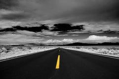 沙漠高速公路 图库摄影