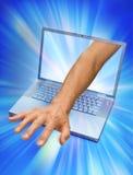 计算机伸手可及的距离技术 免版税图库摄影