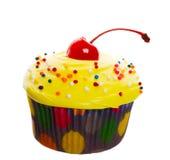 樱桃杯形蛋糕黄色 库存图片