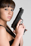 ασιατική γυναίκα πυροβόλων όπλων Στοκ Εικόνες