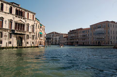 运河全部重创的威尼斯 免版税库存照片