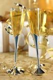 金黄庆祝的香槟 免版税库存图片