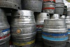 滚磨啤酒小桶 免版税库存照片